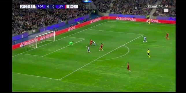 (Video) Van Dijk's epic tackle: CB makes up 5 yards and stops shot with Porto through