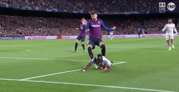 (Video) – Mané denied penalty shout against Barça