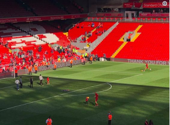 Trent stayed on Anfield pitch after FT delivering right-footed crosses