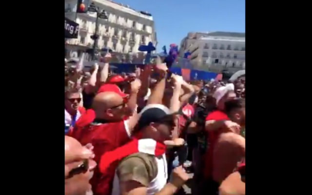 (Video) – LFC and Spurs fans unite in Madrid to chant about their rivals