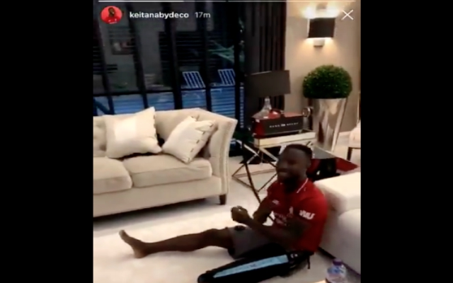 (Video) – Perfect reaction as injured Keïta watches Reds beat Barça at home
