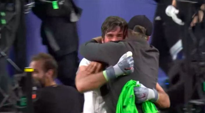 (Video) The legendary Klopp/Alisson hug you may have missed