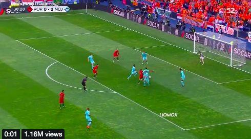 (Video) Desperate rivals try to claim Bernardo dribbled van Dijk