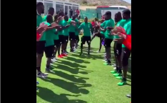 (Video) Senegal give Sadio Mane a Guard of Honour; very unlike England's welcome