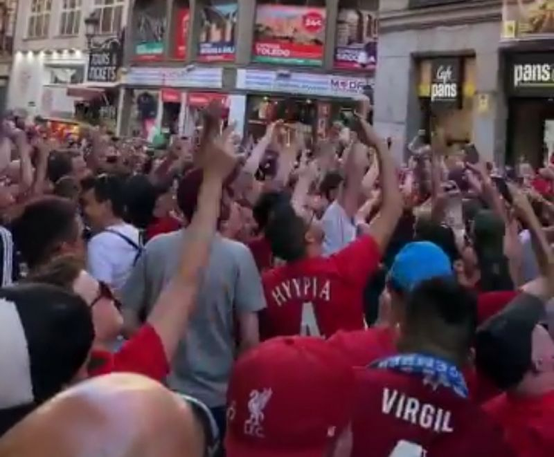 (Video) Madrid locals join in with Liverpool fans' chant ahead of UCL final