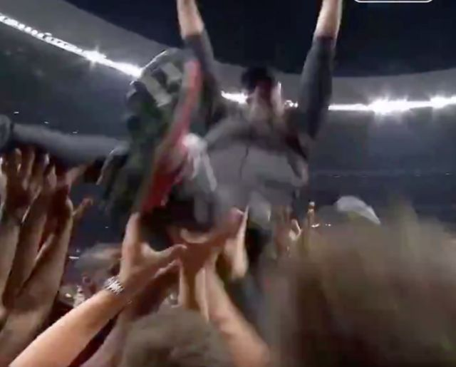 Video: LFC squad throw Klopp in the air to celebrate Champions League final triumph