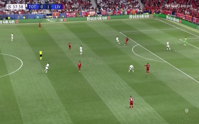 (Video) – Relive Matip's stunning, under-pressure pass to Robbo in CL final