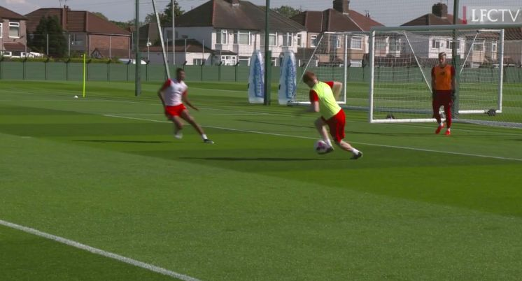 (Video) Sepp van den Berg looks classy & composed in small-sided match at Melwood