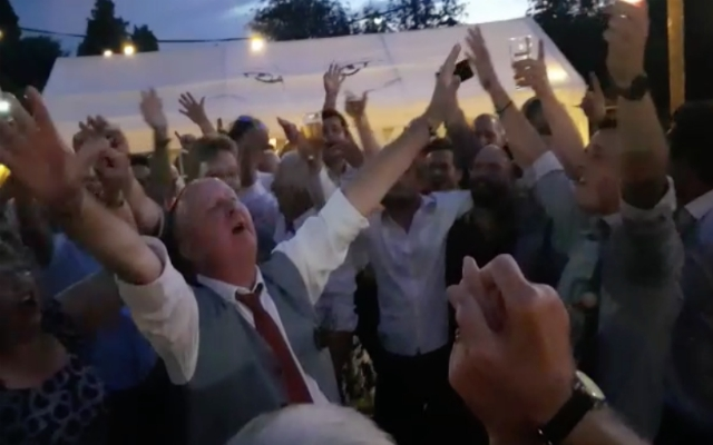 (Video Exclusive) Incredible LFC marriage story ends with Belgian wedding party singing YNWA