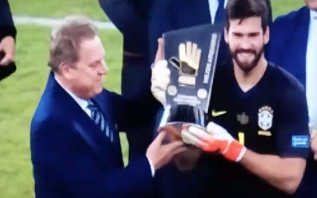 (Video) – Watch Alisson awarded his third Golden Glove after Brazil win final