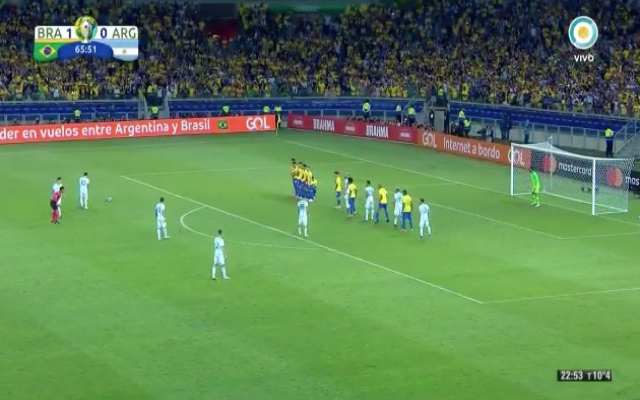 (Video) – Alisson saves Messi free-kick to keep perfect clean sheet record