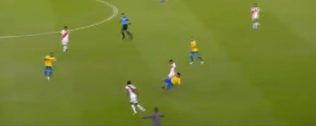 (Video) High-pressing Firmino crucial in build up of Brazil's second goal in Copa America final