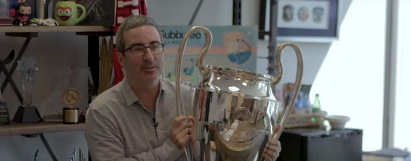 (Video) US comedian John Oliver explains why he loves Liverpool