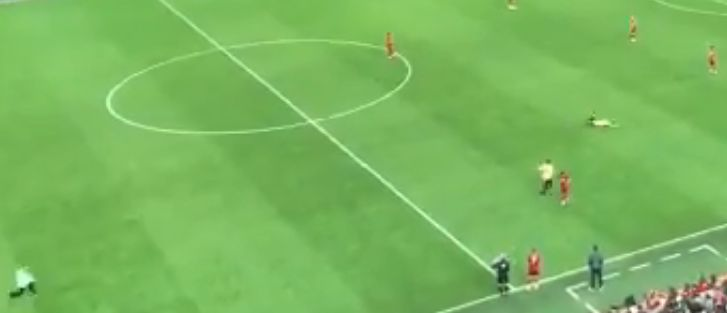 (Video) Streaker at Anfield fails spectacularly on first day of the PL season