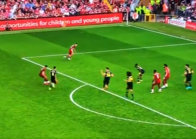 (Video) Firmino attempts the audacious against Arsenal just before half-time