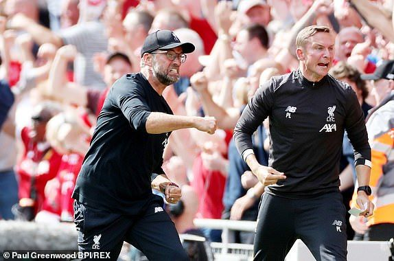 (Photo) Klopp celebrates goal towards 4th official after denying Liverpool penalty