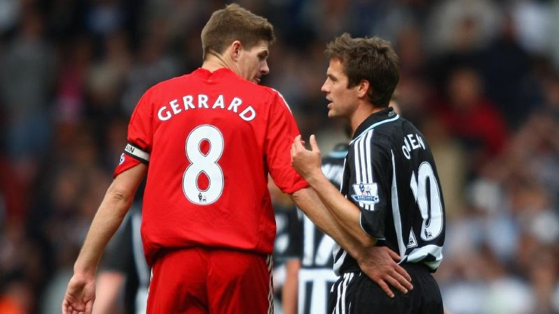 Meddling Michael Owen stirs controversy with moronic Steven Gerrard claim