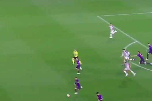(Video) This Van Dijk sprint v Barca was faster than any other in CL last term