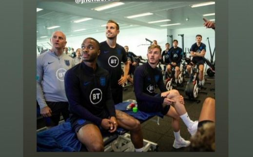 (Image) Hendo & Sterling watch TV on England duty and we reckon it's Champions League highlights…
