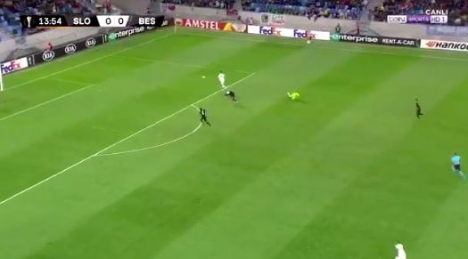 (Video) Karius commits ridiculous blunder & internet goes predictably mad