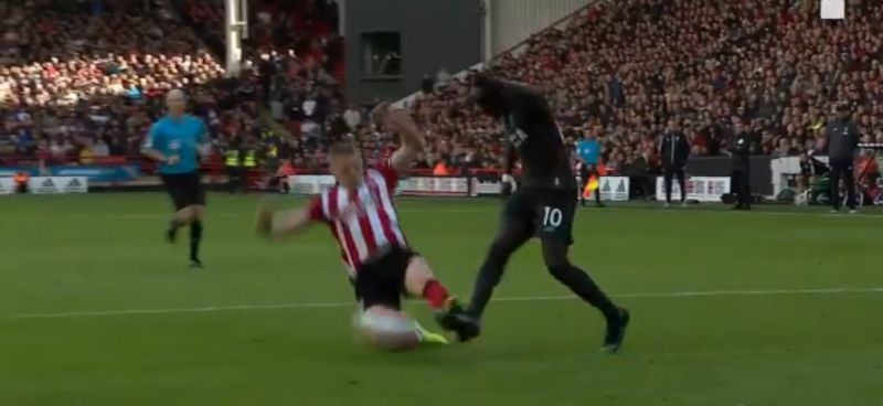(Video) LFC denied clear penalty minutes before Gini's goal v. Sheffield Utd
