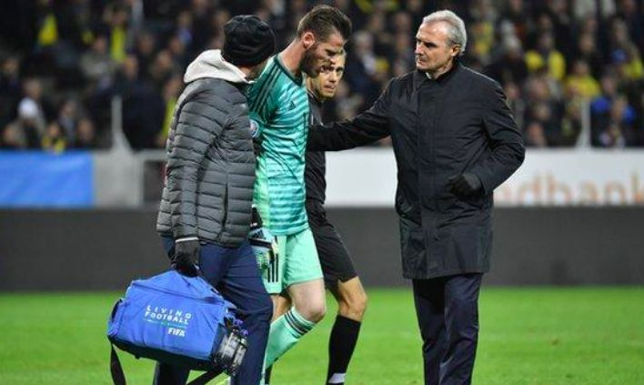 David De Gea injured before Liverpool clash; 10 United players now doubtful