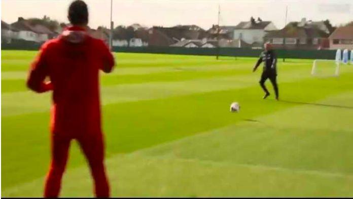 (Video) Jurgen Klopp's Peter Kay volley has Virgil van Dijk in stitches