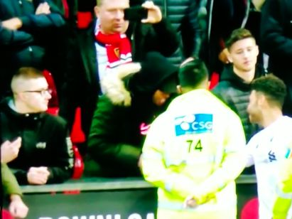 (Video) Ox involved in row with furious Manchester United fans