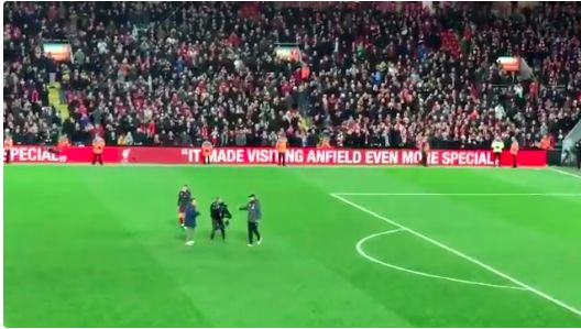 (Video) Klopp refuses to do fist-pumps because cameraman asks him to