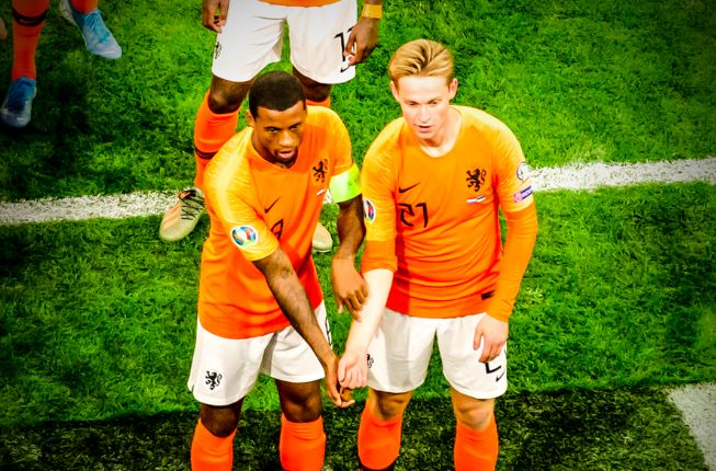 (Video) Wijnaldum's anti-racism celebration in Holland hat-trick really was top notch