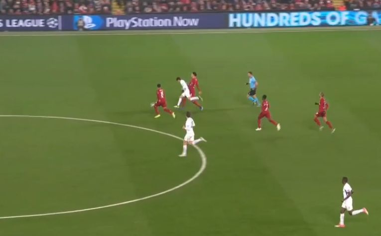 (Video) Flying Dutchman van Dijk shows crazy pace with brilliant recovery tackle