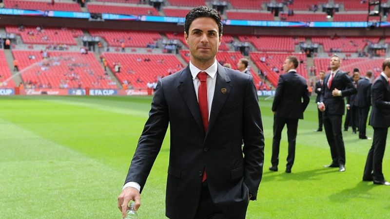 Mikel Arteta raves about 'special' Thiago & hints at trying to sign him