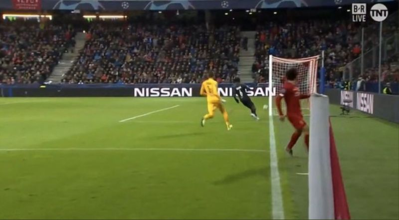 (Photo) New angle shows Salah had no right to score outrageous wondergoal v. Salzburg