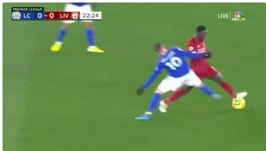 (Video) Naby Keita skins two midfielders with exceptional dribbling skills
