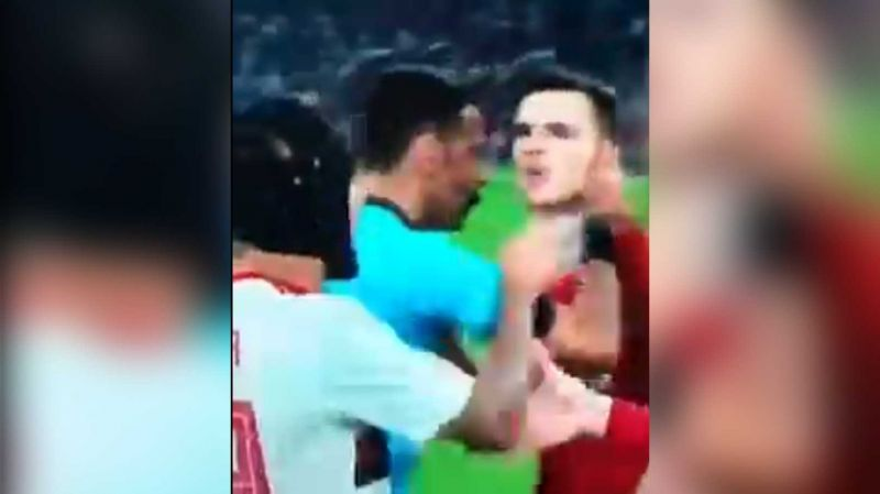 (Video) Robbo carries on row with Rafinha after FT as Liverpool win Club World Cup