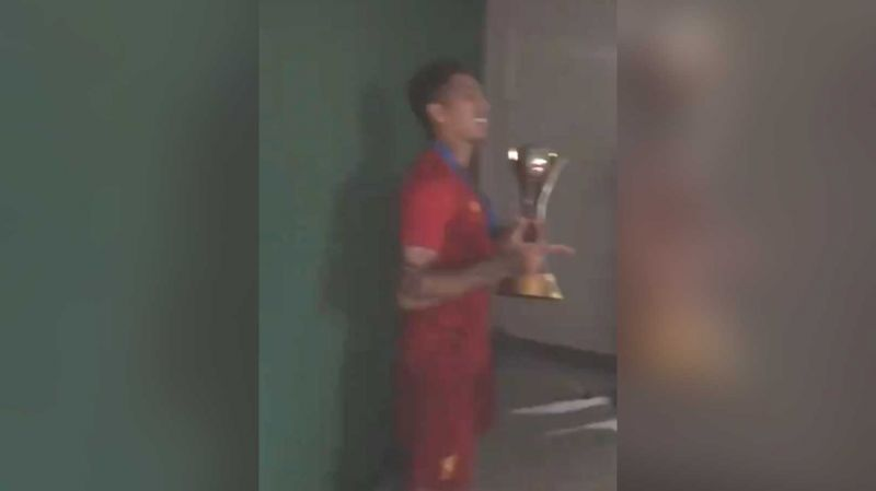 (Video) LFC players sing 'Si Senor' to match-winner Firmino as Brazilian poses with Club World Cup trophy