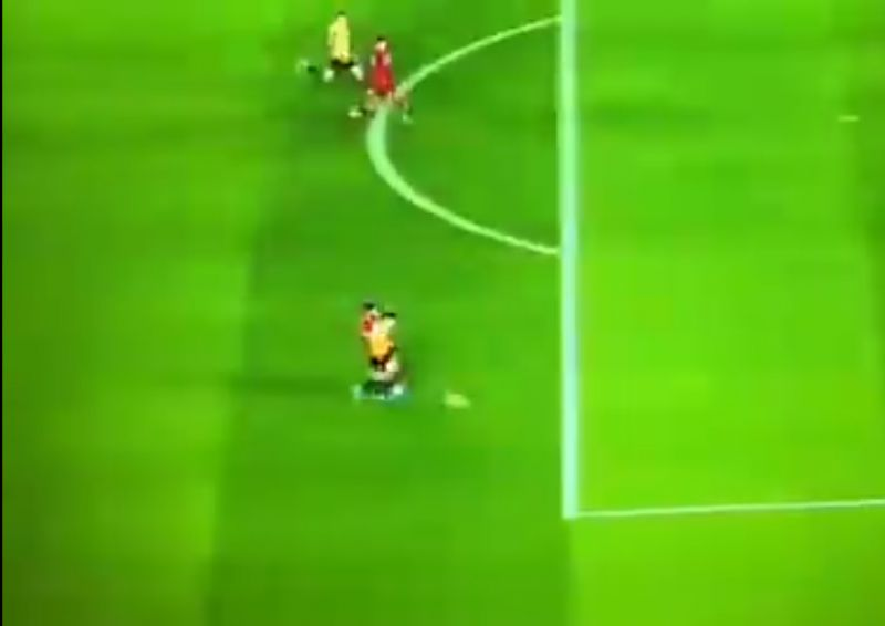 (Video) Gomez shows ridiculous recovery pace in footrace v Wolves