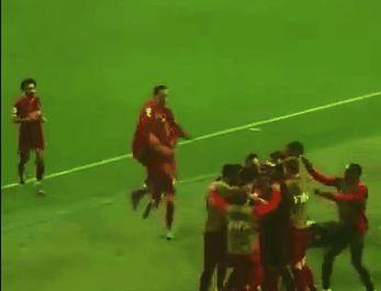 (Video) Virgil van Dijk copies Bobby Firmino in wild Club World Cup celebrations