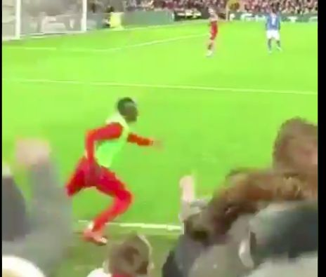 (Video) Sadio Mane's hilarious reaction to Curtis Jones worldy