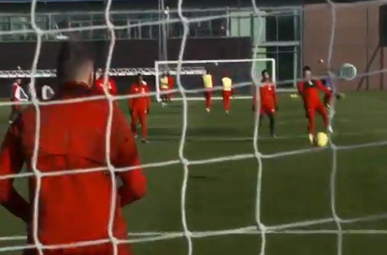 (Video) Adrian denies Ox rocket in training with cat-like save whilst holding another ball