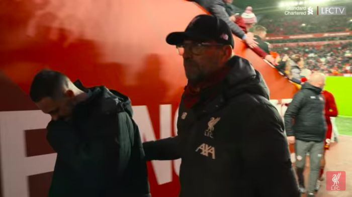 (Video) Klopp walked & talked with Danny Ings all the way down tunnel after Liverpool 4-0 Southampton