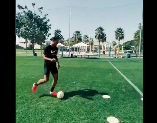 (Video) Van Dijk & Oxlade-Chamberlain battle it out in Dubai
