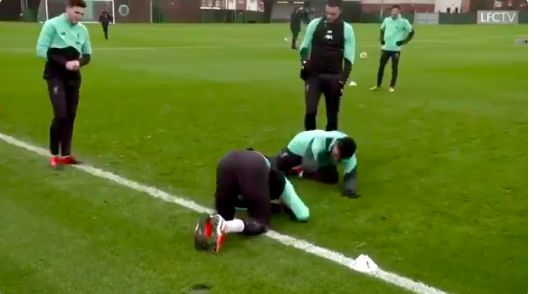 (Video) Liverpool fan thinks he's spotted the moment Trent injured Gomez