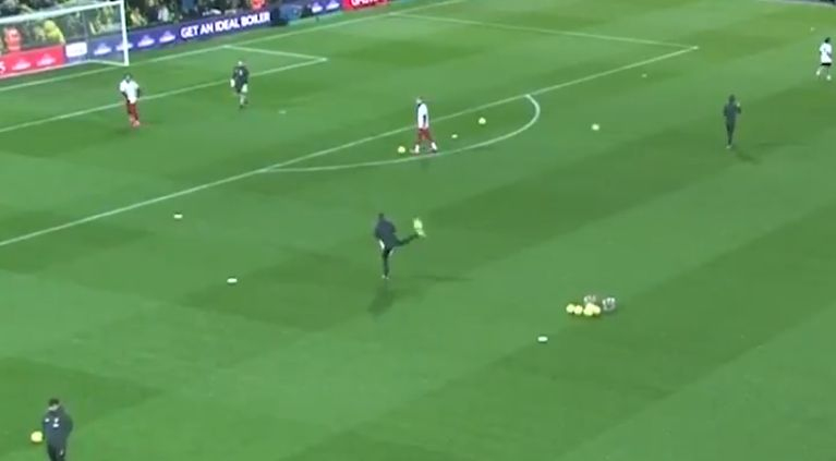 (Video) Even LFC's coaches are class as Lijnders pulls off nice skill before kick-off