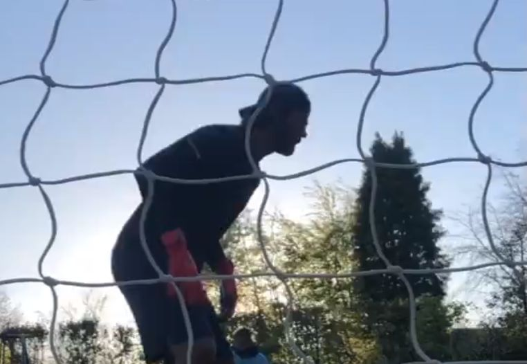 (Video) Alisson offers message of hope & shares impressive backyard training during isolation