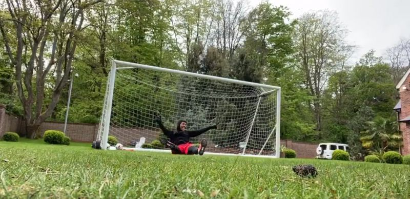 (Video) Firmino pulls off some great saves as he plays in goal in his garden