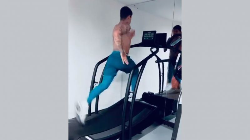 (Video) Liverpool fans will love Firmino absolutely belting it on a treadmill