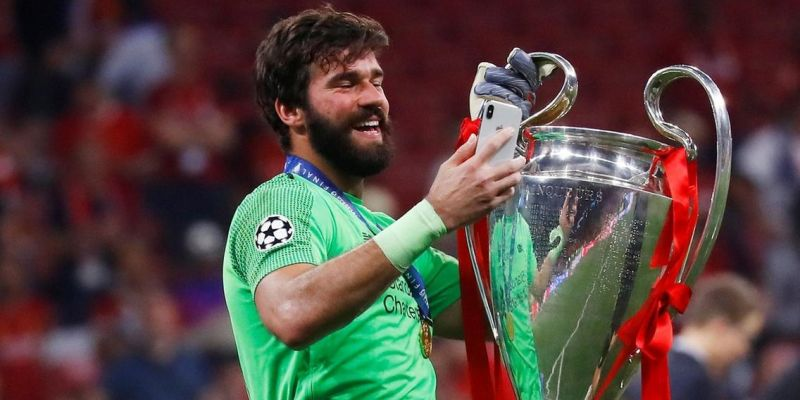 Alisson's inspiring interview sets Liverpool's targets for 2020/21 – and the fans will love it
