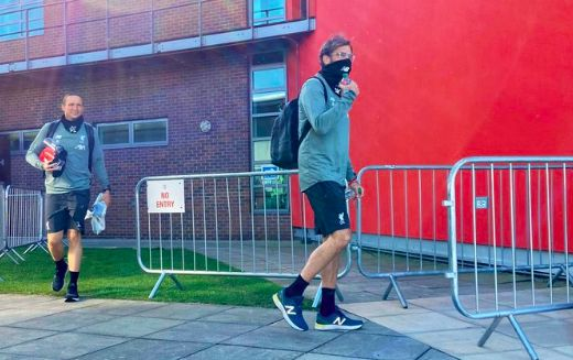 (Image) Klopp & Lijnders back at Melwood in the sunshine is great to see