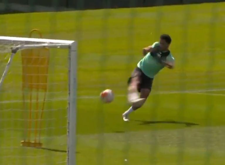 (Video) Trent bends superb outside-of-the-boot strike in off the post in training